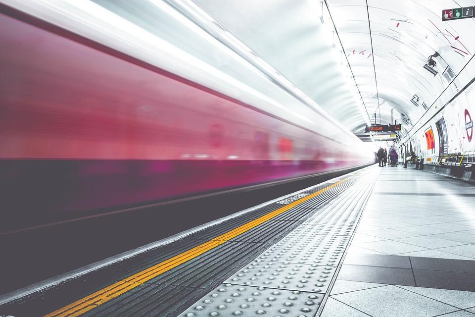 Magnets in Hyperloop Trains