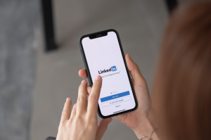 LinkedIn Accounts to Follow for Magnet Information